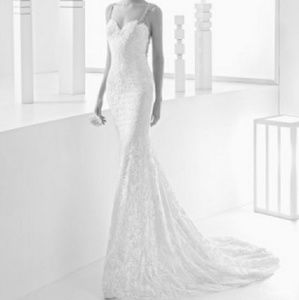 Dresses & Skirts - Backless lace gown